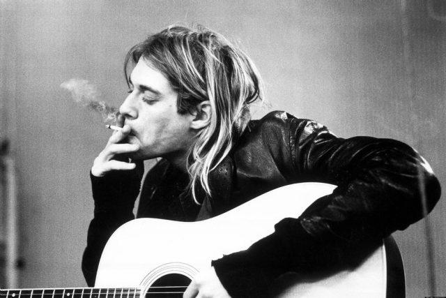 Kurt Cobain byl nejen zpěvákem,  ale i hlavním textařem a autorem hudby skupiny Nirvana. | foto: Susi Acosta,  CC BY 2.0