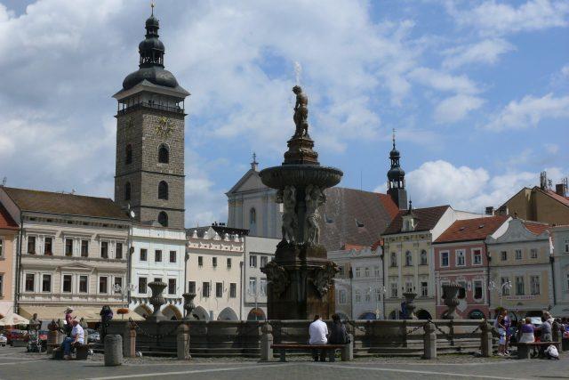 České Budějovice: náměstí Přemysla Otakara II., Samsonova kašna a Černá věž