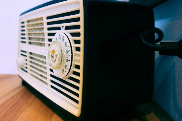 rozhlasový přijímač