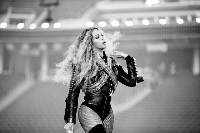 Beyoncé angažovaná a hitová bojuje proti policejní brutalitě: Přestaňte nás střílet