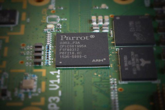 Nový čip +03 společnosti Parrot Automotive