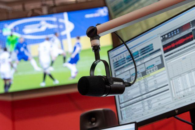Přípravy newsroomu nové stanice Radiožurnál Sport