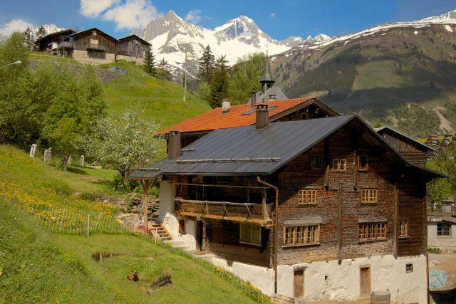 Obec Surrein ve Švýcarsku