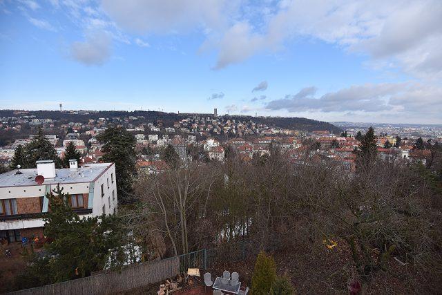 Pohled směrem na Strahovský stadion.jpg