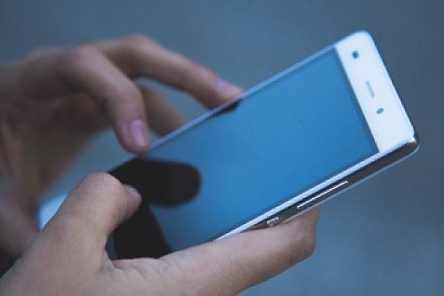 telefon - mobil - mobilní služby