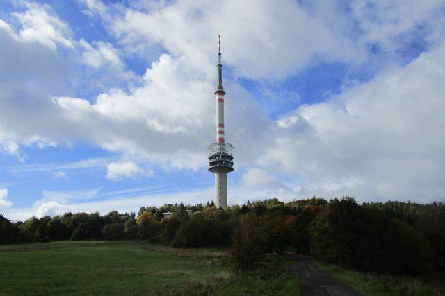 Severočeský vysílač Buková hora by měl začít šířit signál digitálního rádia ještě letos. | foto: Eva Bucharová