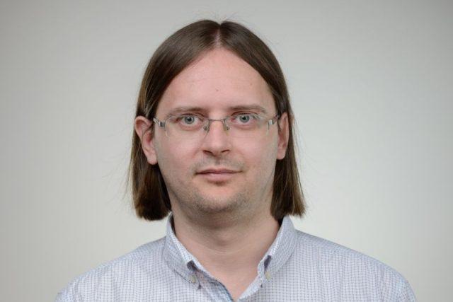 Analytik Českého rozhlasu Adam Javůrek