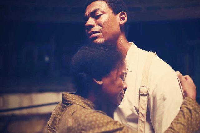 Aaron Pierre v seriálu Amazon Studios: Podzemní dráha  (The Underground Railroad,  2021)   foto: Profimedia / LMKMEDIA
