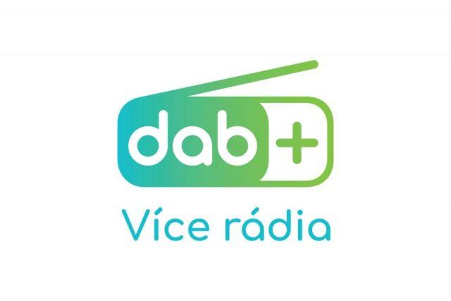 """Oficiální logo """"DAB+ Více rádia"""""""