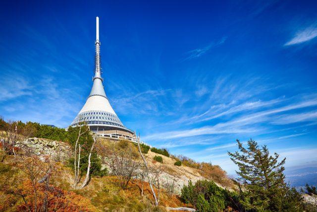 Horský hotel a vysílač Ještěd