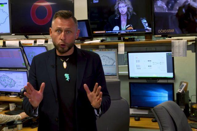 Moderátor Jan Tuna vysvětluje přechod na DVB-T2