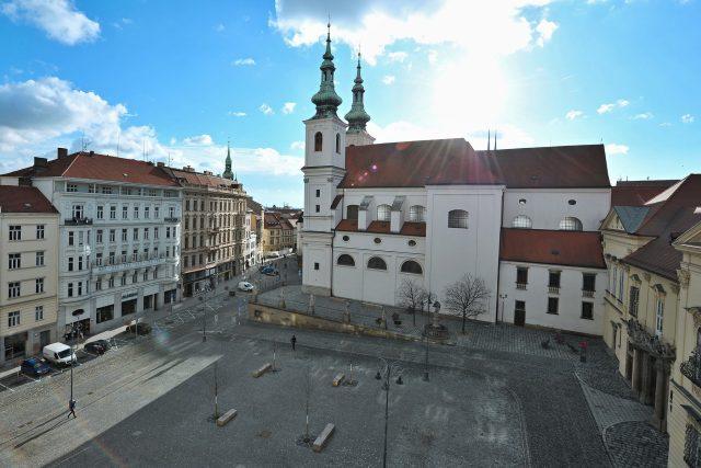 Dominikánské náměstí v Brně s kostelem sv. Michala, pohled z Paláce Jalta