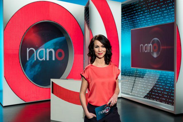 Moderátorka Alexandra Kröber ve studiu magazínu nano televize ZDF