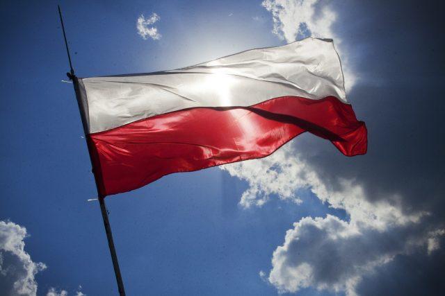 Polská vlajka, ilustrační foto