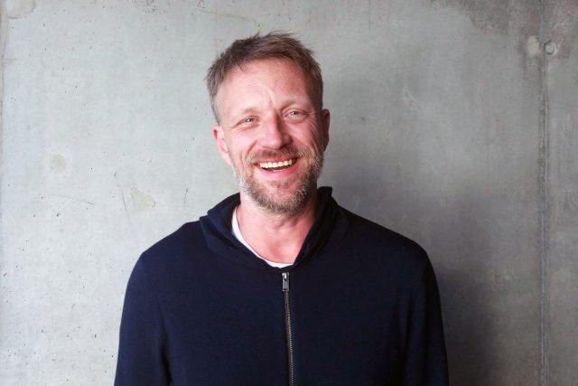 Viktor Tauš, host pořadu Hovory