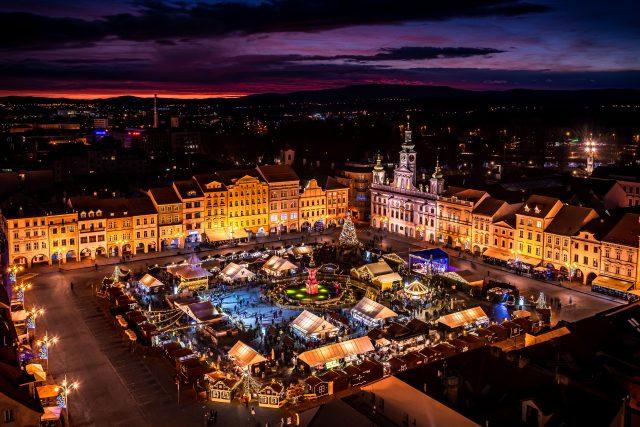 Adventní trhy na náměstí v Českých Budějovicích