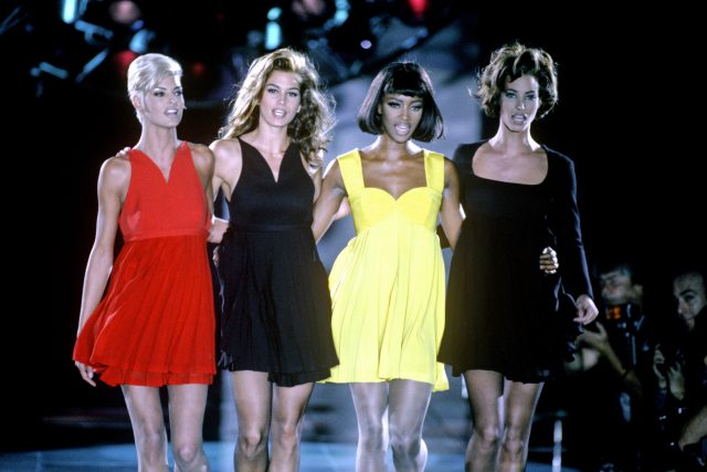 Linda Evangelista, Cindy Crawford, Naomi Campbell a Christy Turlington v dokumentu The Supermodels