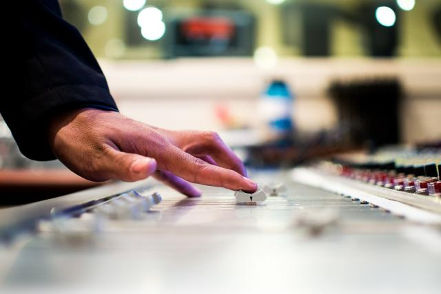 mixážní pult (ilustrační foto)