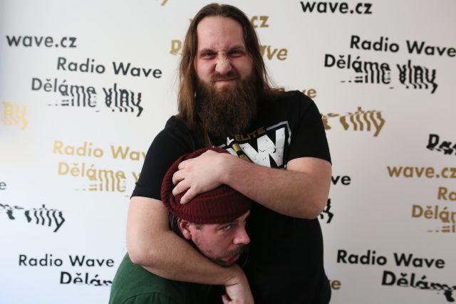 Wrestlingový pořadatel Michal Petrgál a Kuba Kaifosz