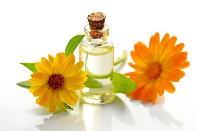 aromaterapie, esenciální (éterický) olej, vůně, bylinky