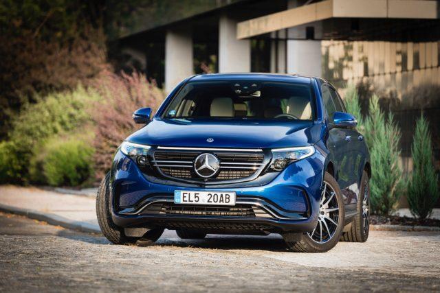 Mercedes-Benz EQC 400 4MATIC je první sériově vyráběný elektromobil německé automobilky