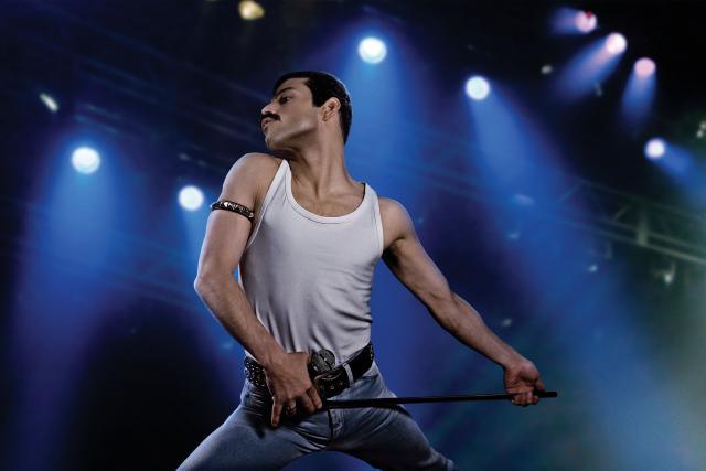 Rami Malek jako Freddie Mercury ve snímku Bohemian Rhapsody