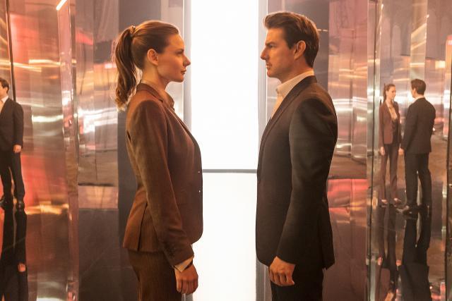 Rebecca Fergusonová a Tom Cruise ve filmu Mission: Impossible - Fallout